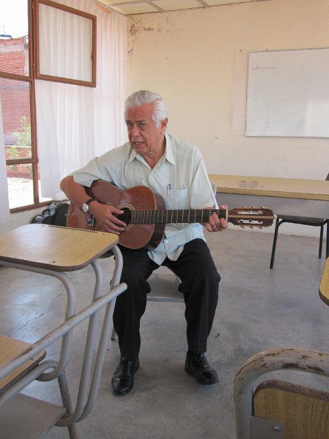 Arturo Dorado, founder of Feniz Language Institute in Zacatecas, uses music to teach language and culture. (Photo courtesy Beth Werber.)
