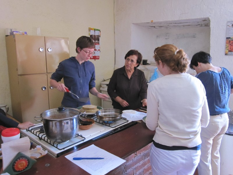 A cooking class at Insituto Fenix in Zacatecas, Mexico.