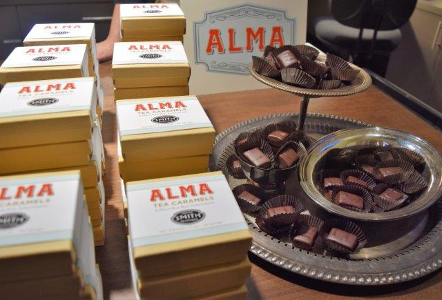 Alma Chocolate's tea caramels contain Smith Teamaker teas.