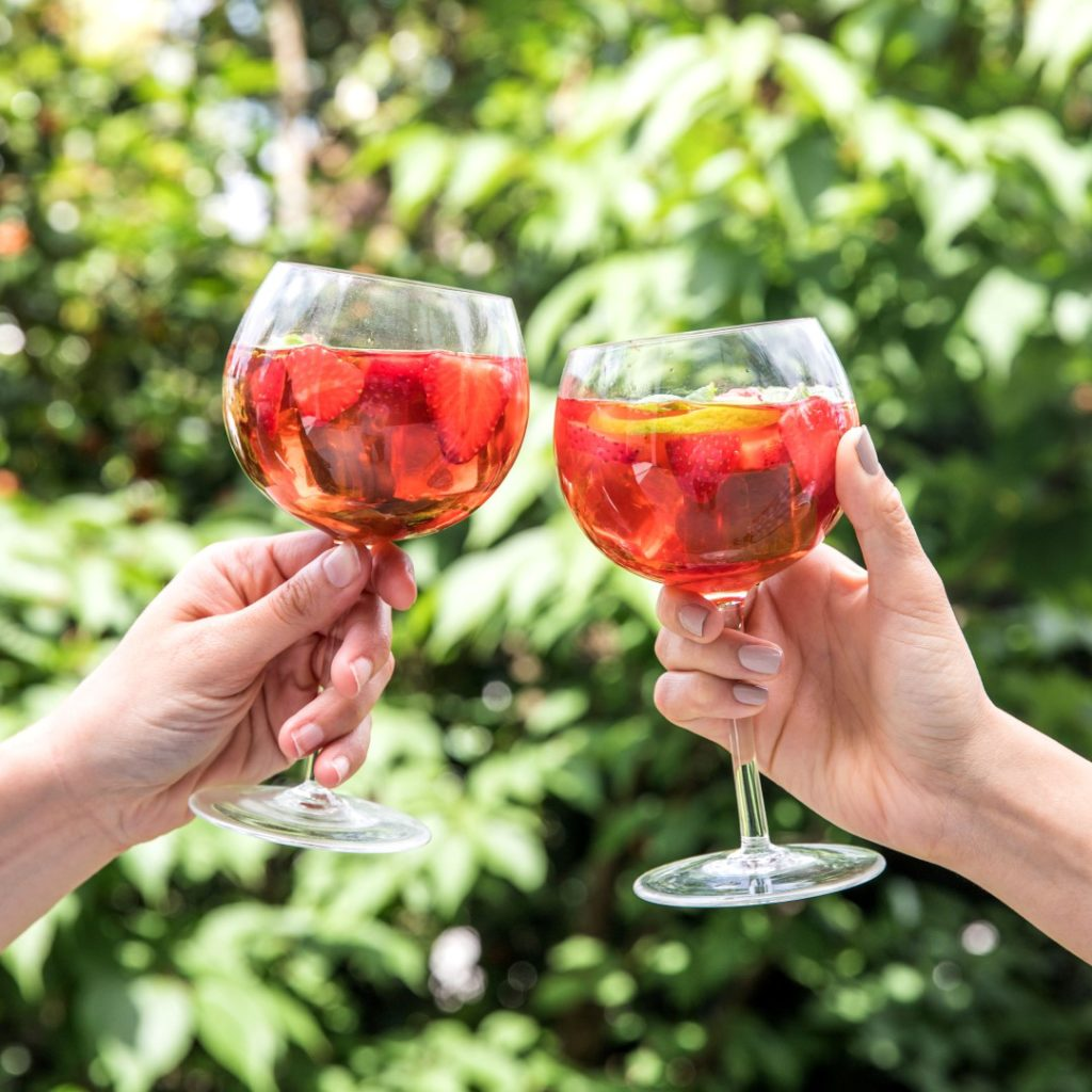 Oregon strawberry sangria recipe
