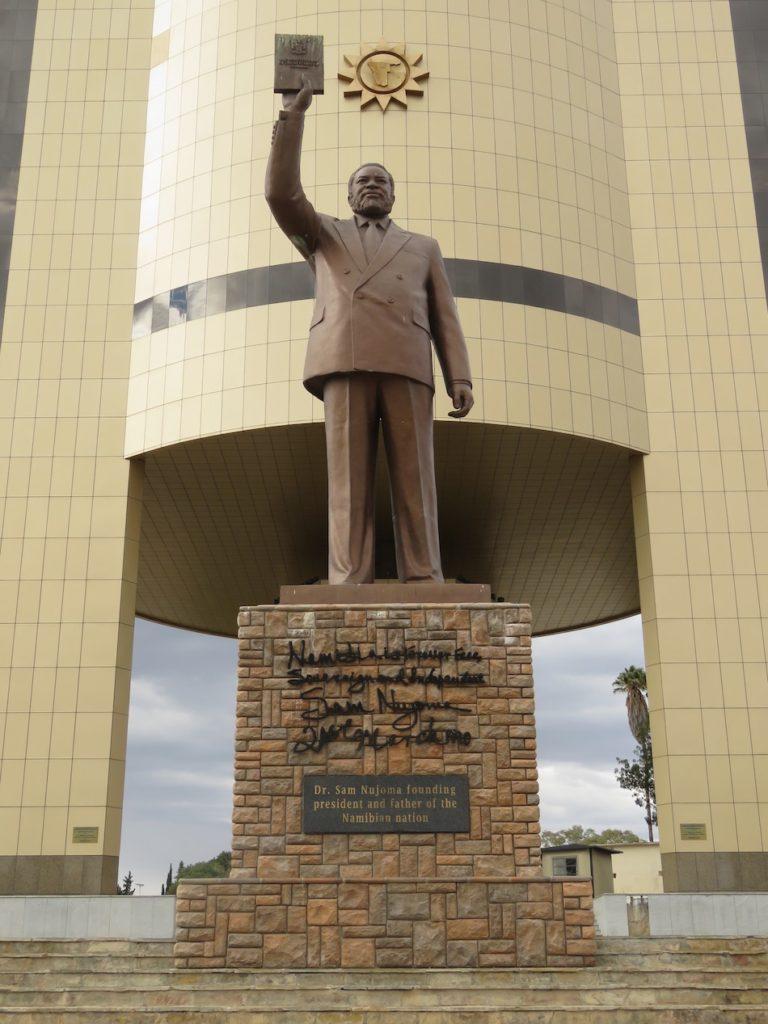 statue Sam Nujoma Namibia road trip