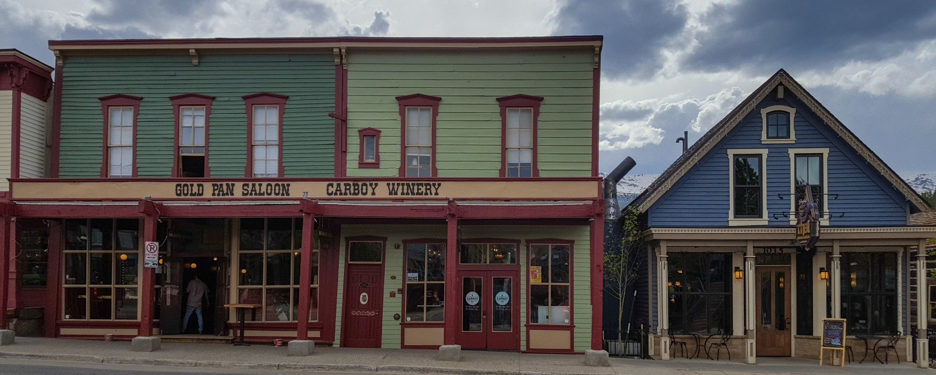 Saloon Tour, photo by Tammy Poweel