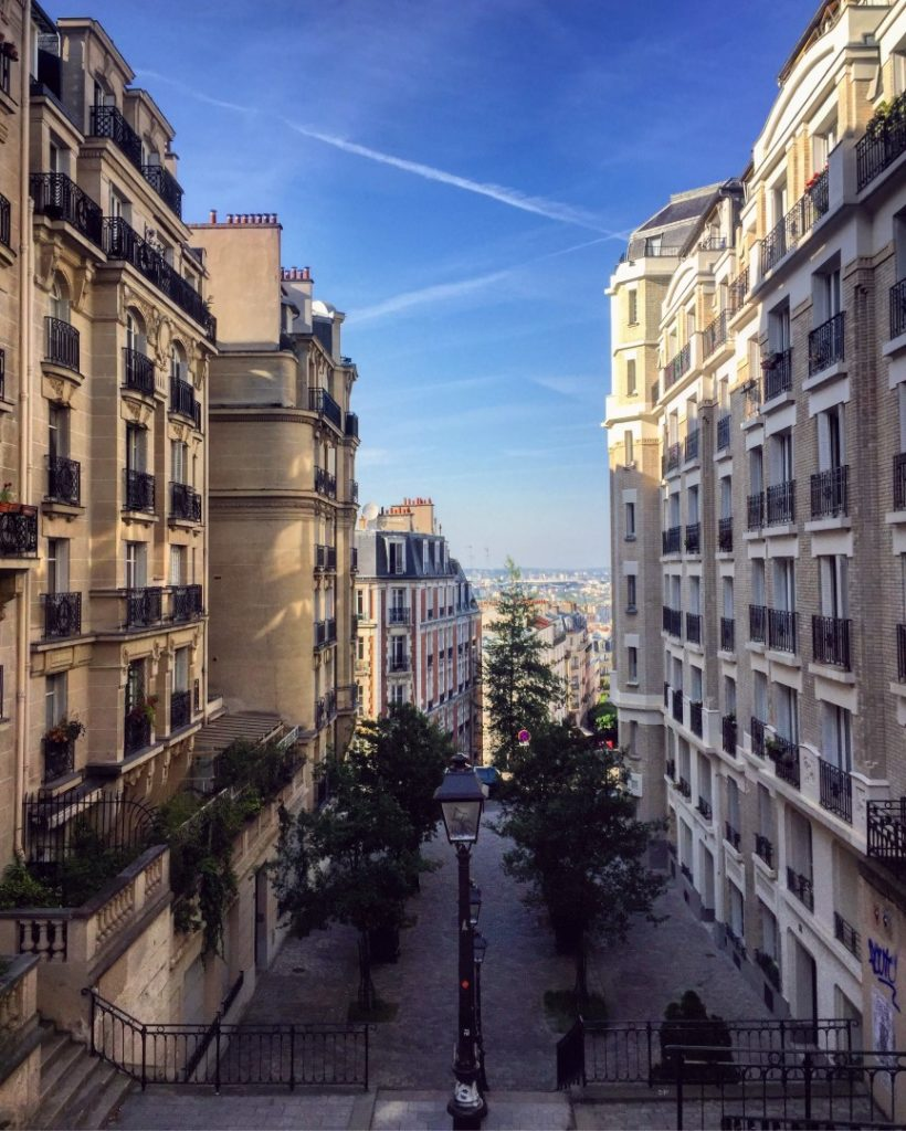 Rue-du-Mont-Cenis in paris