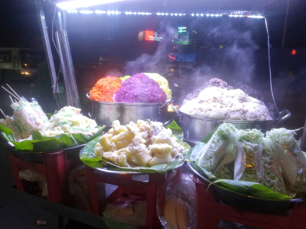 things to do in Ho Chi Mihn City Vietnamese street food