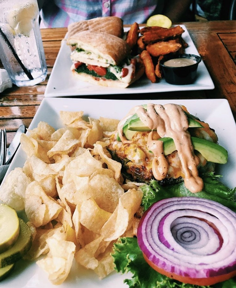 New Jersey Dogtooth Bar & Grill