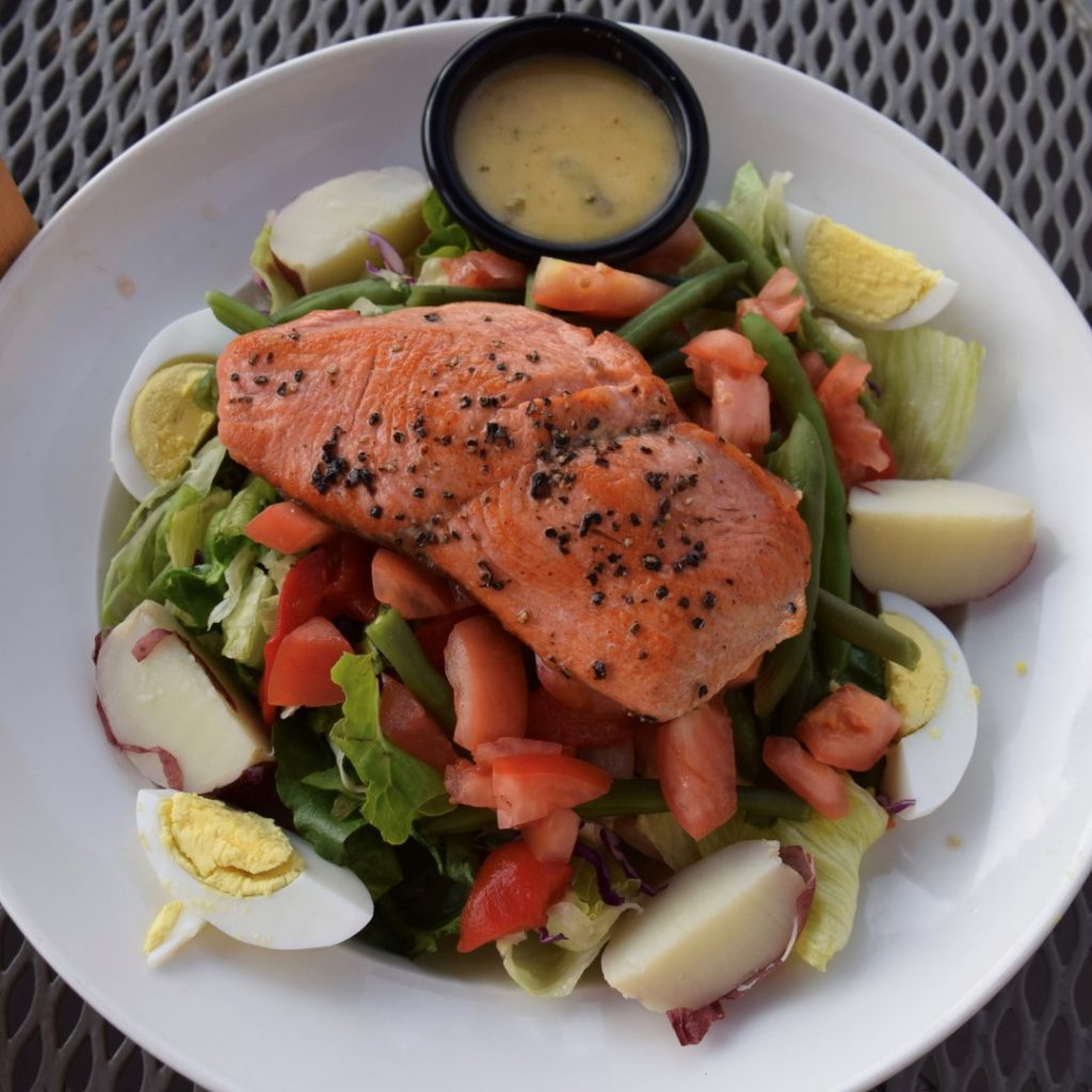 grilled salmon Niçoise salad