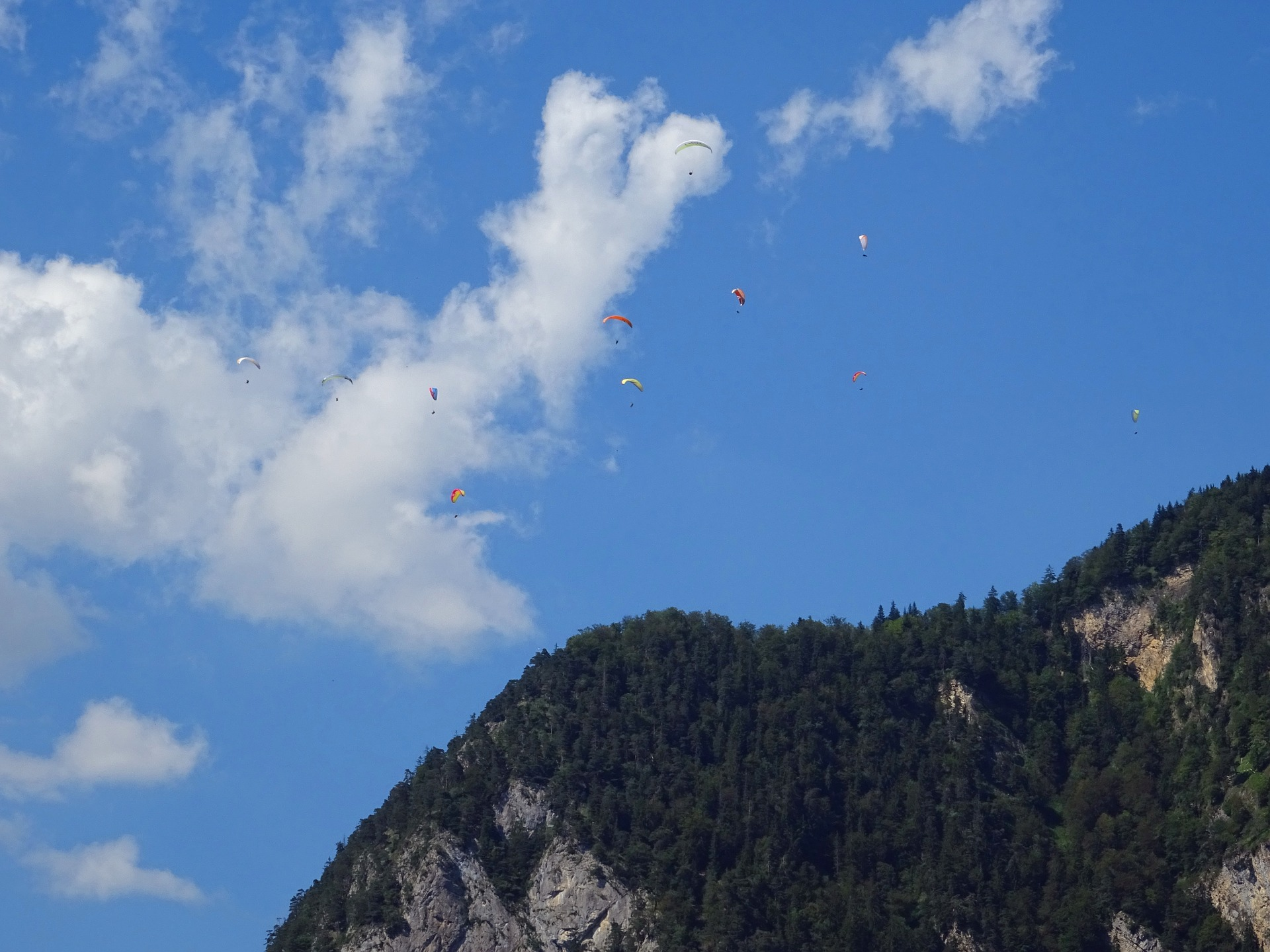 paragliding things to do in Intertaken
