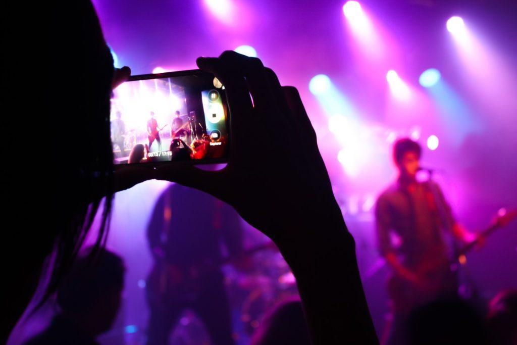 rock concert smart phone